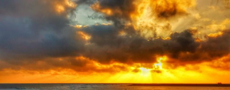 三沙晨曲:最美是那一抹朝阳