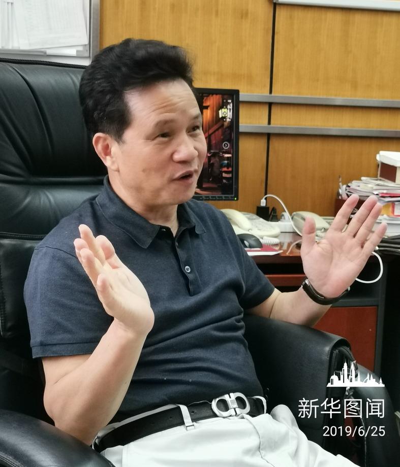 北京实验学校校长曾军良:为孩子终身成长夯实基础-新华图闻网