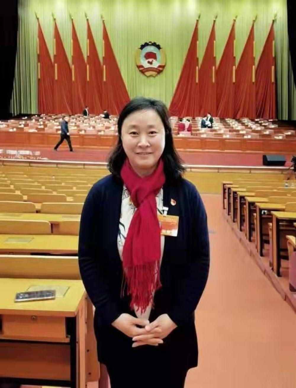北京第二实验小学校长芦咏莉:企事业单位应关注家庭教育-新华图闻网